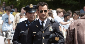 Frank-Harts-and-Justin-Theroux-in-The-Leftovers-Season-1-Epiosde-1