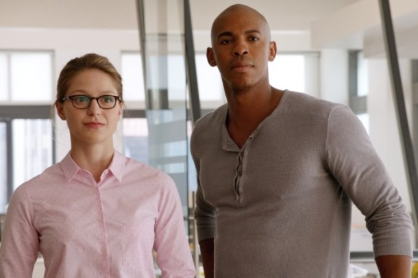 supergirl-serie-2015-photo-pilot-melissa-benoist-mehcad-brooks-700x467
