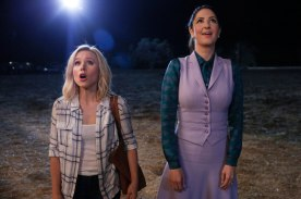 Kristen Bell & D'Arcy Carden - The Good Place - NBC - 2017